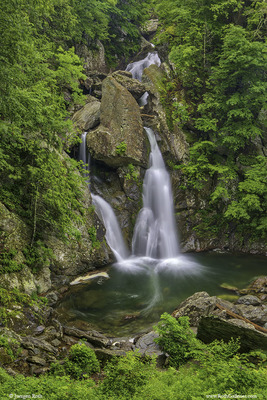 New England Fine Art Photographer Juergen Roth On The WCVB CHRONICLE Waterfall Road Trip Show